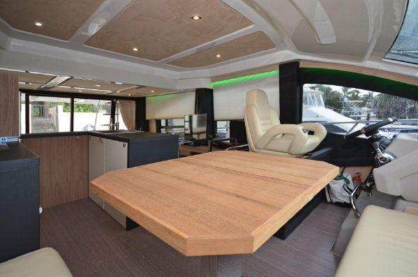 Cranchi 54 Fly wheelhouse2
